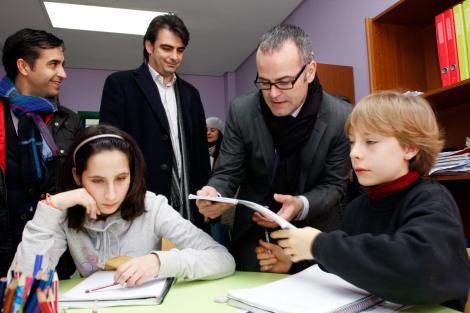 Jesus Vazquez visitó el centro aspanaes en Ferrol