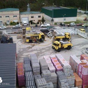 Incendio industrial en Abres 1