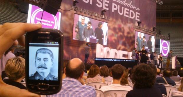 Podemos-Asamblea-Stalin-620x330 (1)