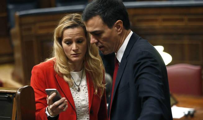 Cantera y Pedro Sánchez, el pasado 13 de enero, en la constitución de la XI Legislatura. (EFE)