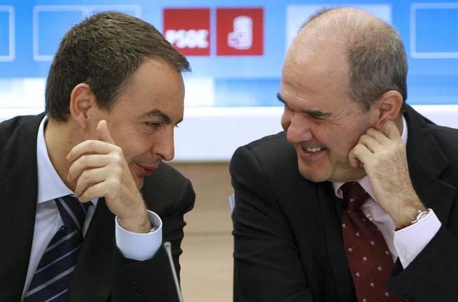 El expresidente del Gobierno José Luis Rodríguez Zapatero, junto a Manuel Chaves. (EFE)